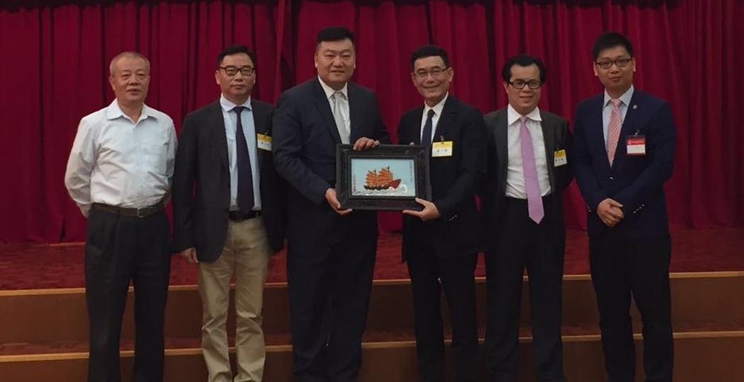 助推汕港合作交流  林少华率团访问香港潮州商会